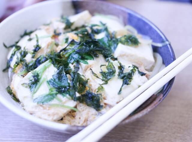 充填豆腐のふわトロ丼